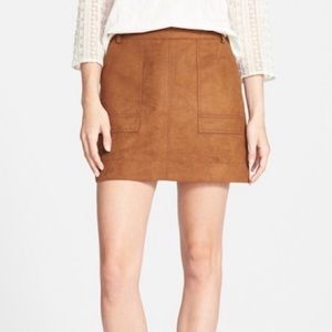 Hinge- Brown Faux Suede Mini Skirt - Size Small